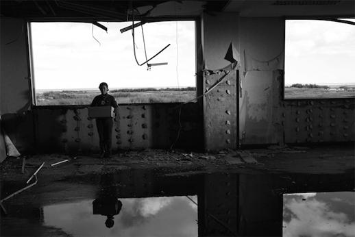 画像2: http://www.tokyoartbeat.com/tablog/entries.en/2015/07/sion-sonos-whispering-star-the-return-to-present-a-brief-visit-to-dystopia.html