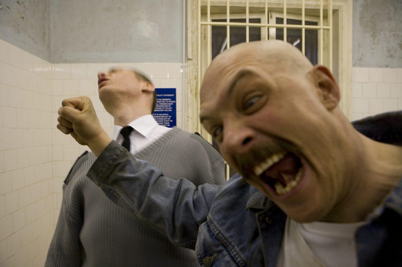 画像1: ノリにのっているトム・ハーディ主演×『ドライヴ』のニコラス・ウィンディング・レフン監督『ブロンソン』が500円均一で一週間限定上映決定!