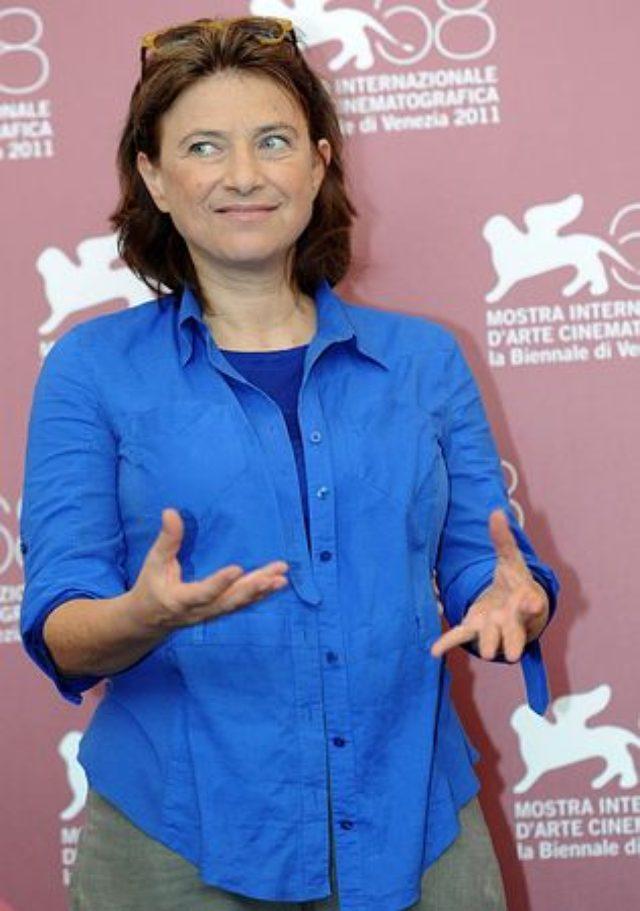 画像: ベルギー出身の映画監督、シャンタル・アケルマンさん=2011年9月、イタリア北部ベネチア(EPA=時事)