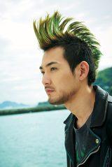 画像: 主演のモヒカン 松田龍平