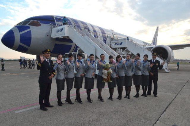 画像: ANAスター・ウォーズ特別塗装機に搭乗! 機内もR2-D2がいっぱい - 写真31枚   旅行   マイナビニュース