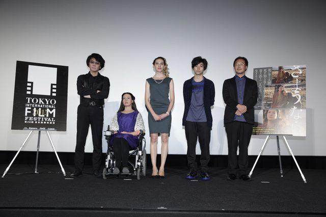 """画像2: """"本物の""""アンドロイド女優・ジェミノイドF 女優賞獲得なるか!?""""で話題。死生観を問う深田晃司監督『さようなら』舞台挨拶でジェミノイドFが、意気込みを語る---。"""