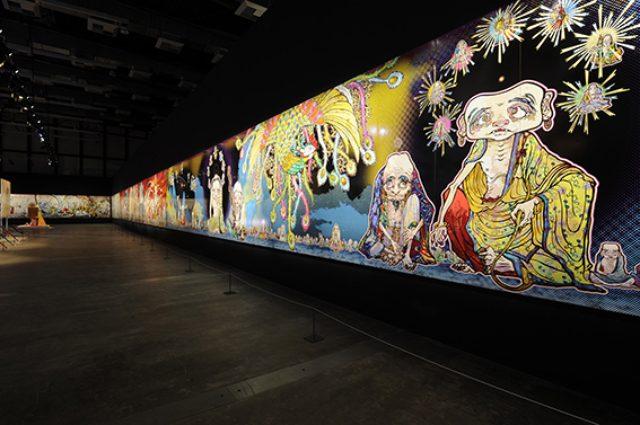 画像: 村上 隆 《五百羅漢図》 2012年 アクリル、カンバス、板にマウント 302 x 10,000 cm 個人蔵 展示風景:「Murakami - Ego」アル・リワーク展示ホール、ドーハ、2012年 撮影: GION ©2012 Takashi Murakami/Kaikai Kiki Co., Ltd. All Rights Reserved.