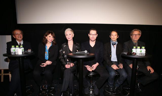 画像: 審査員団 右寄り大森一樹、スザンヌ・ビア、ナンサン・シー、ブライアン・シンガー、トラン・アン・ユン、ベント・ハーメル