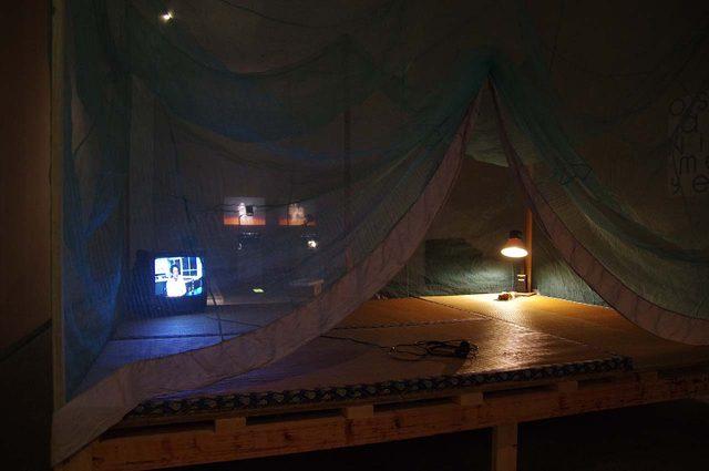 画像: -「Senzu Shogakkou(部分)」The Future、元行まみ  - photo(C)mori hidenobu -cinefil art review
