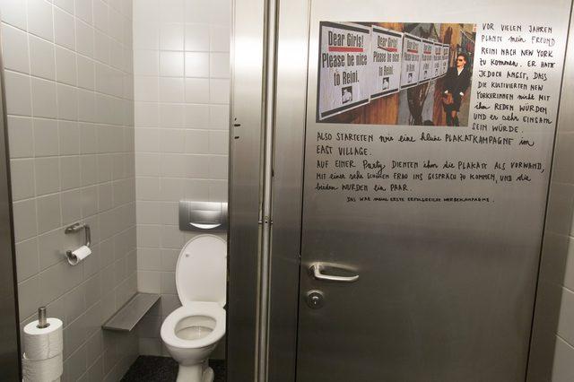 画像: MAK Exhibition View, 2015 STEFAN SAGMEISTER: The Happy Show In the ladies's restrooms MAK design labor :photo by eSeL