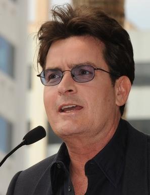 画像: チャーリー・シーンさん、HIV感染を公表へ 米報道