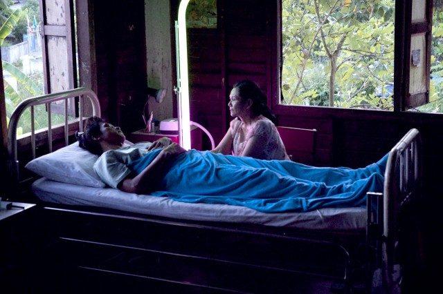 画像: シネマトゥデイ - 眠り病にかかる兵士たち…『ブンミおじさんの森』監督新作、2016年日本公開決定!