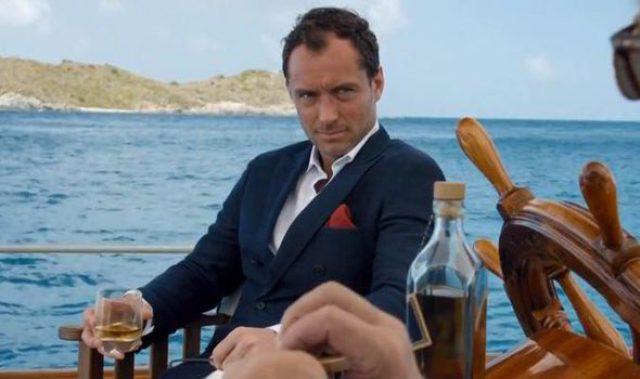 画像: The Talented Mr. Law! British actor Jude turns back time in The Gentleman's Wager
