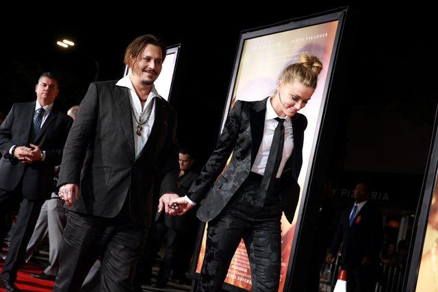 画像: ジョニー・デップ&アンバー・ハード (C)2015 Universal Studios. All Rights Reserved.