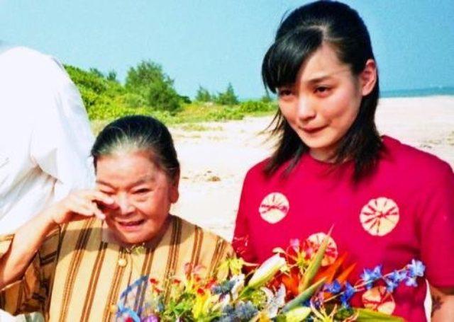 画像: 「おばぁ…寂しいです」 平良とみさん死去 国仲涼子さんら悲しみの声 |  沖縄タイムス+プラス