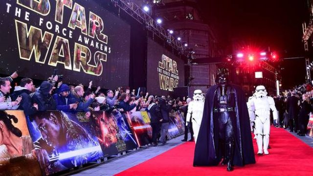 画像: http://www.independent.ie/style/celebrity/celebrity-news/star-wars-premiere-carrie-fisher-makes-oscars-plea-34291770.html