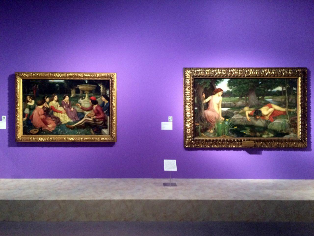 画像: 左:ジョン・ウィリアム・ウォーターハウス 《デカメロン》 1916年 油彩・カンヴァス © Courtesy National Museums Liverpool, Lady Lever Art Gallery 右:ジョン・ウィリアム・ウォーターハウス 《エコーとナルキッソス》 1903年 油彩・カンヴァス © Courtesy National Museums Liverpool, Walker Art Gallery