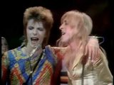 画像: David Bowie - Starman (Top Of The Pops, 1972) HQ youtu.be