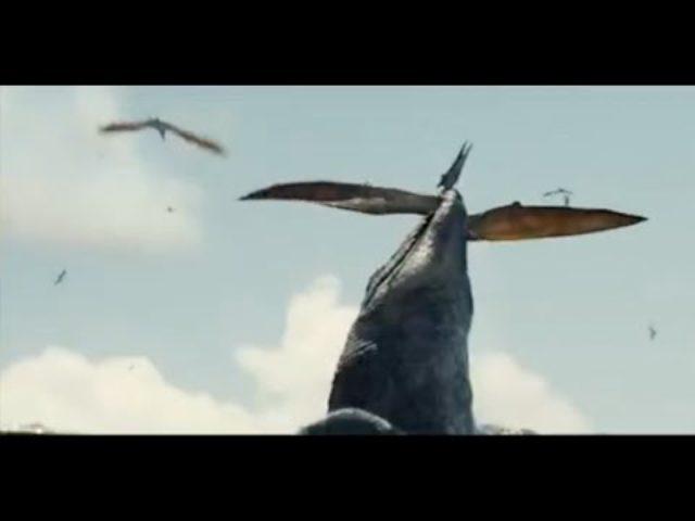 画像: Jurassic World selected scene trailer 2 (ジュラシックワールド 選抜シーン 予告動画2) あyoutu.be