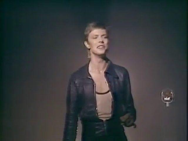 画像: David Bowie - Heroes youtu.be