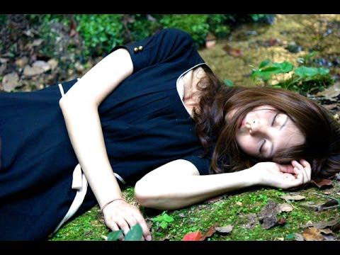 画像: 短編映画 『弔花』 (シリーズ「彼女の物語」より) youtu.be