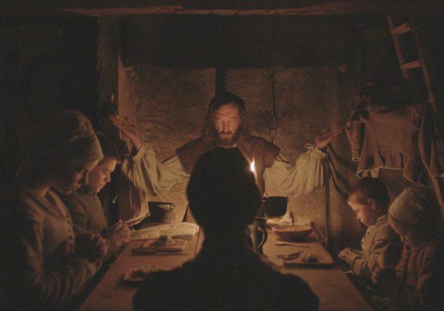 画像: Watch: There's Evil in Frightening New 'The Witch' Trailer