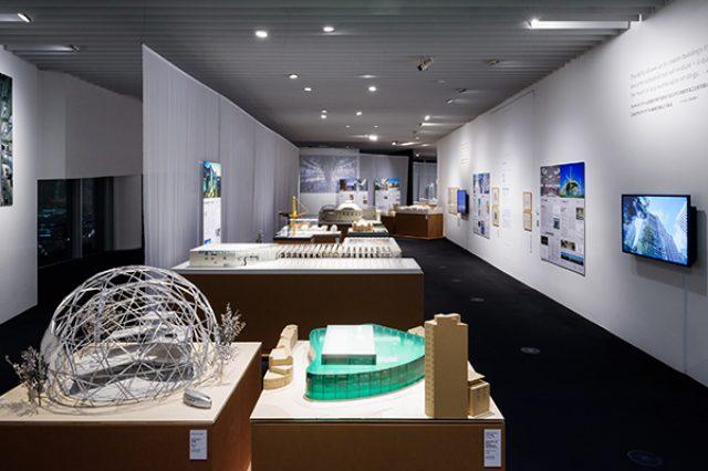 画像1: 展示風景:「フォスター+パートナーズ展:都市と建築のイノベーション」(2016年1月1日~2月14日)森美術館(展望台 東京シティビュー内スカイギャラリー) 撮影:古川裕也 画像提供:森美術館、東京