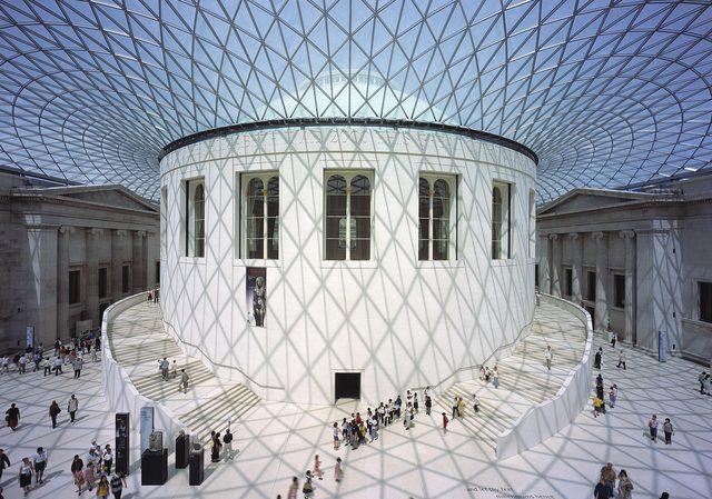 画像: フォスター+パートナーズ 大英博物館《グレートコート》 1994-2000年 ロンドン、英国 撮影: Nigel Young, Foster+Partners