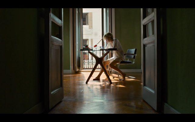 "画像: ""Julieta"", la nueva película de Pedro Almodóvar - Trailer oficial youtu.be"