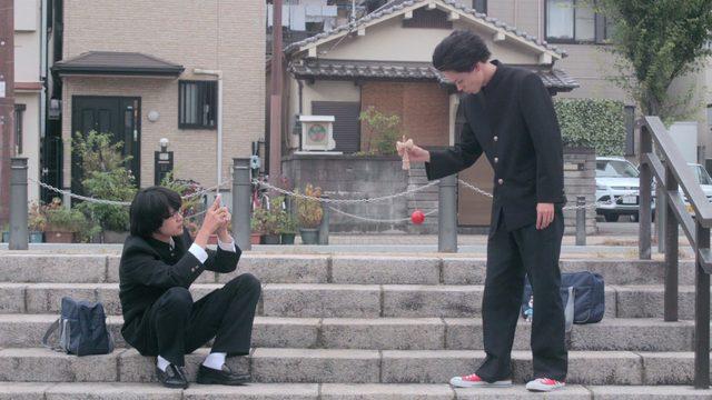 画像: 映画『セトウツミ』 特報①「けん玉 」 youtu.be