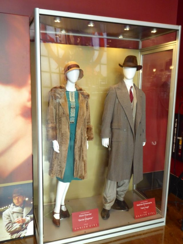 画像2: http://hollywoodmoviecostumesandprops.blogspot.jp/search/label/The%20Danish%20Girl
