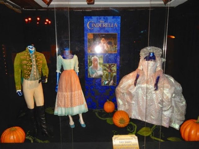画像: http://hollywoodmoviecostumesandprops.blogspot.jp/search/label/Cinderella