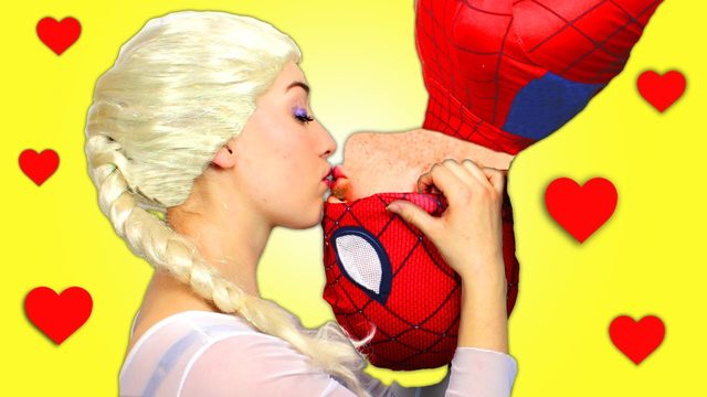 画像: Spiderman & Frozen Elsa vs Joker ! Elsa Kisses Spiderman in Real Life - Fun Superhero Movie! youtu.be