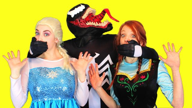 画像: Spiderman vs Venom vs Frozen Elsa & Anna! Elsa & Anna are Kidnapped in Real Life Superhero Movie! youtu.be