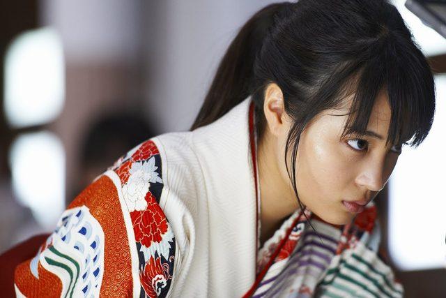 画像: 映画『ちはやふる』主題歌「FLASH」(Perfume)PV www.youtube.com