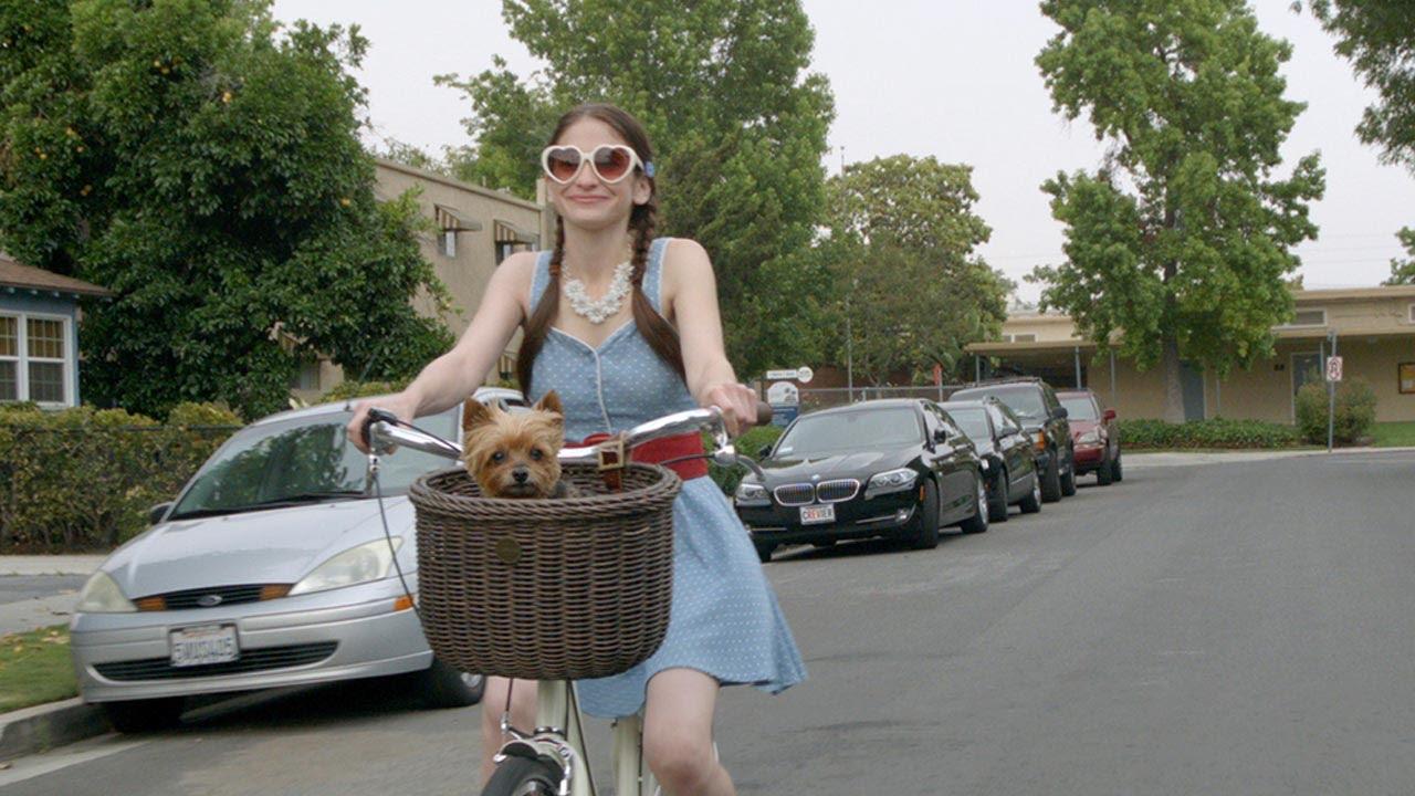 画像: Gone Doggy Gone Trailer youtu.be