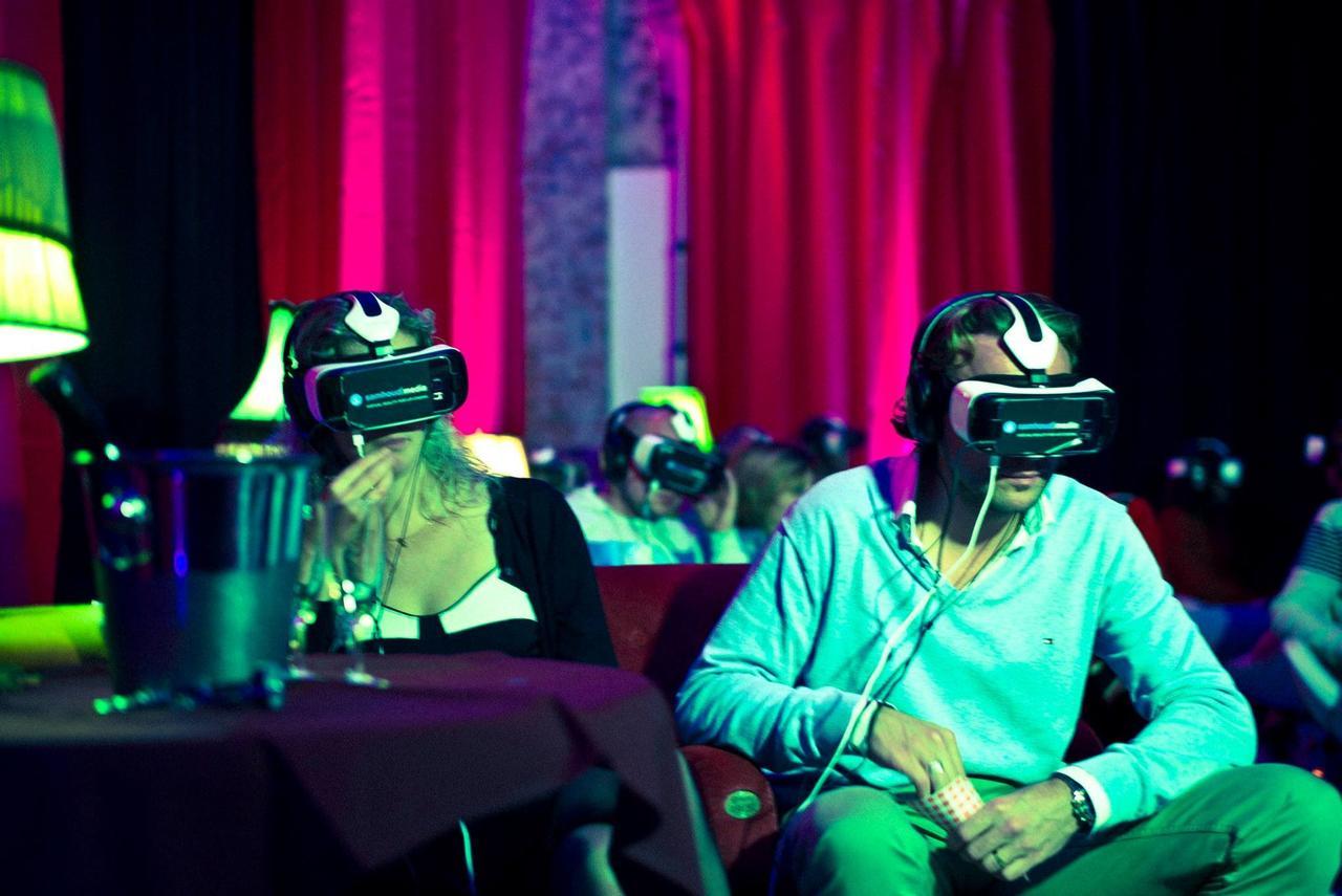 画像: Europe's first Virtual Reality cinema youtu.be