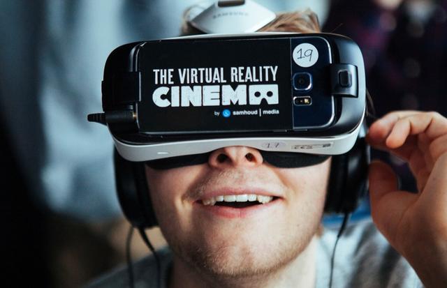 画像1: http://venturebeat.com/2016/03/05/virtual-reality-movie-theaters-are-now-a-thing/