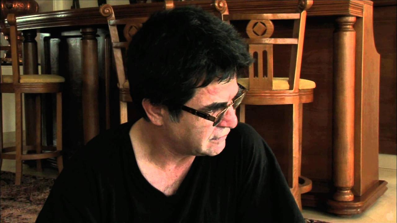 画像: This Is Not A Film Official Trailer #1 - Jafar Panahi Movie (2012) HD youtu.be
