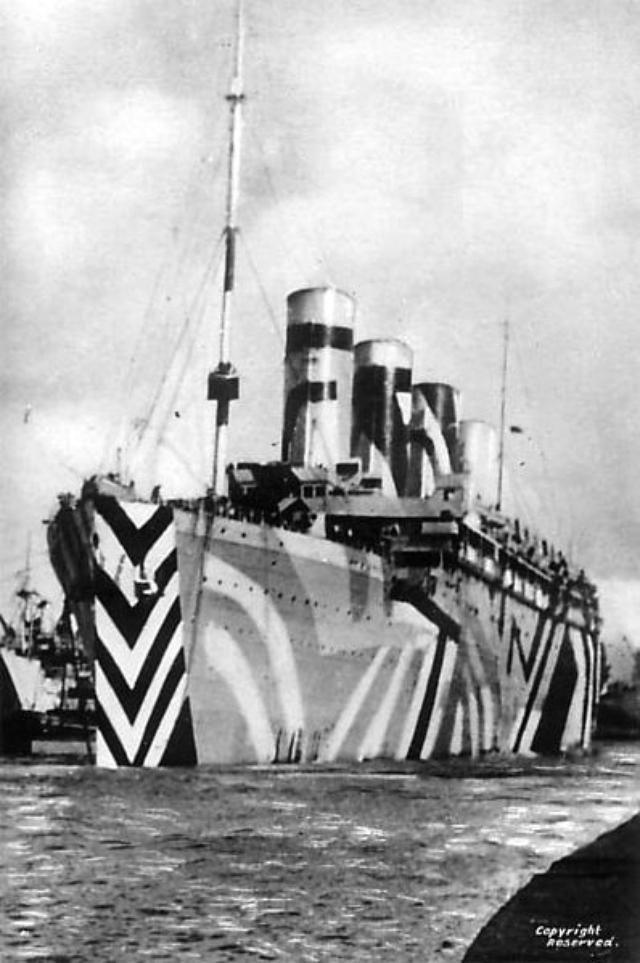 画像: 客船タイタニック号の姉妹船、イギリス商船オリンピック / RMS Olympic (c.1918) - The identical sister ship to RMS Titanic publicdomainreview.org