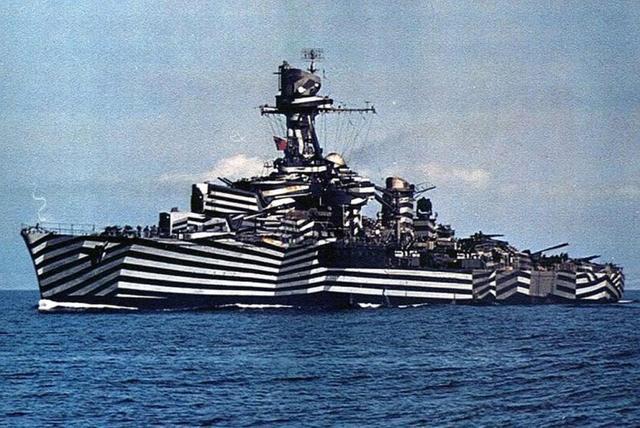 画像: フランス海軍軽巡洋艦グロア / The Glory 1943 amznantes.wordpress.com
