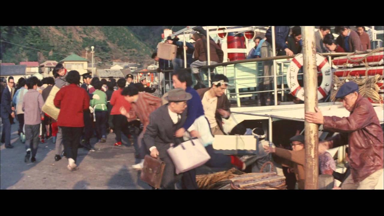 画像: モスラ対ゴジラ youtu.be