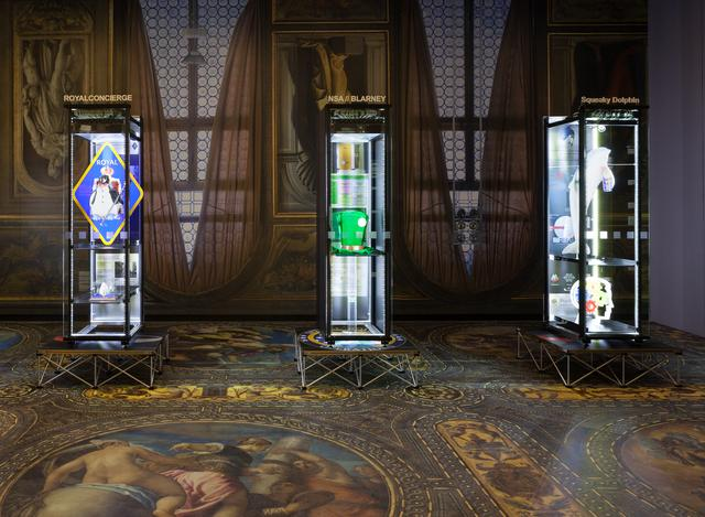画像: Installation view: Political Populism, Kunsthalle Wien 2015, Photo: Stephan Wyckoff: Simon Denny, Secret Power Highlighted, 2015, Courtesy the artist, Galerie Buchholz Berlin/Cologne and Galerie Petzel, New York