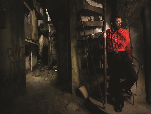画像5: その、光と影が織りなす『ホース・マネー』場面写真