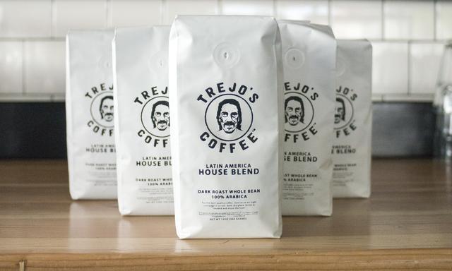 画像: コーヒーは、ラテン・アメリカ・ハウス・ブレンドとネーミングも気が利いている。隣町、パサデナのZona Rosa Coffeeでローストしているオリジナル・ブレンド。 www.trejostacos.com