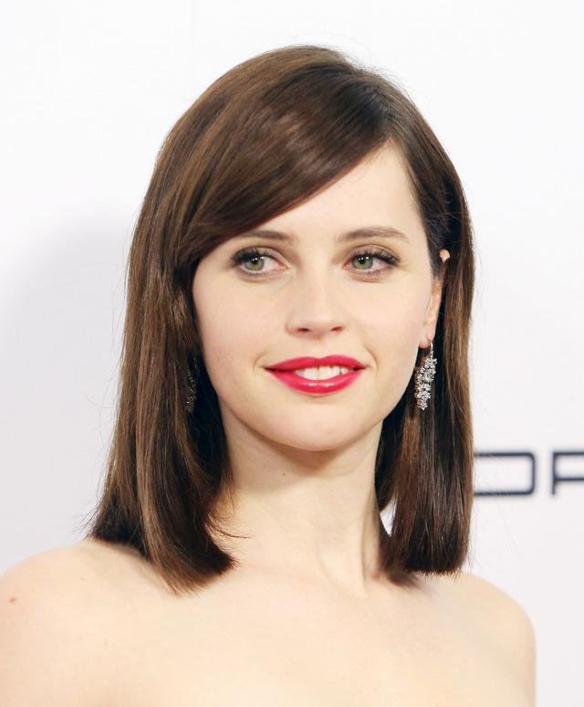 画像: リシティ・ジョーンズ http://www.glamour.com/lipstick/blogs/girls-in-the-beauty-department/2015/03/so-this-is-what-felicity-jones