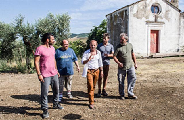 画像: B『俺たちとジュリア』 [2015年/115分] 原題:Noi e la Giulia 監督:エドアルド・レオ Edoardo Leo