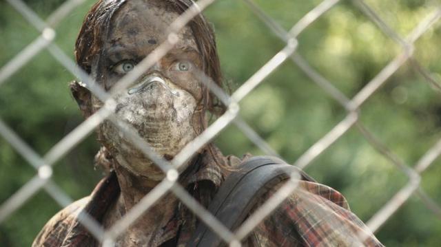 画像: http://nofilmschool.com/2016/04/here-alone-diy-zombie-flick-sold-out-screenings-tribeca-podcast