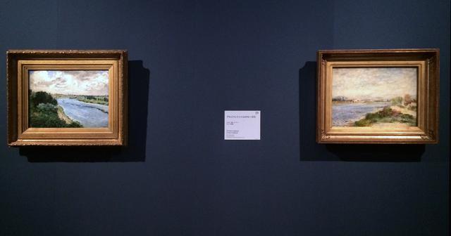 画像: 左:《セーヌ川のはしけ》 1869年頃 油彩/カンヴァス オルセー美術館 © RMN-Grand Palais (musée d'Orsay) / Hervé Lewandowski / distributed by AMF 画面右下に署名:Renoir. 右:《アルジャントゥィユのセーヌ川》 1873年 油彩/カンヴァス オルセー美術館 © RMN-Grand Palais (musée d'Orsay) / Hervé Lewandowski / distributed by AMF 画面右下に署名:Renoir. photo©cinefil
