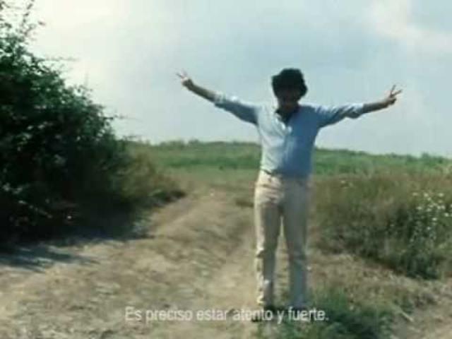 画像: Glauber Rocha en Viento del Este, 1969 de Jean-Luc Godard. youtu.be