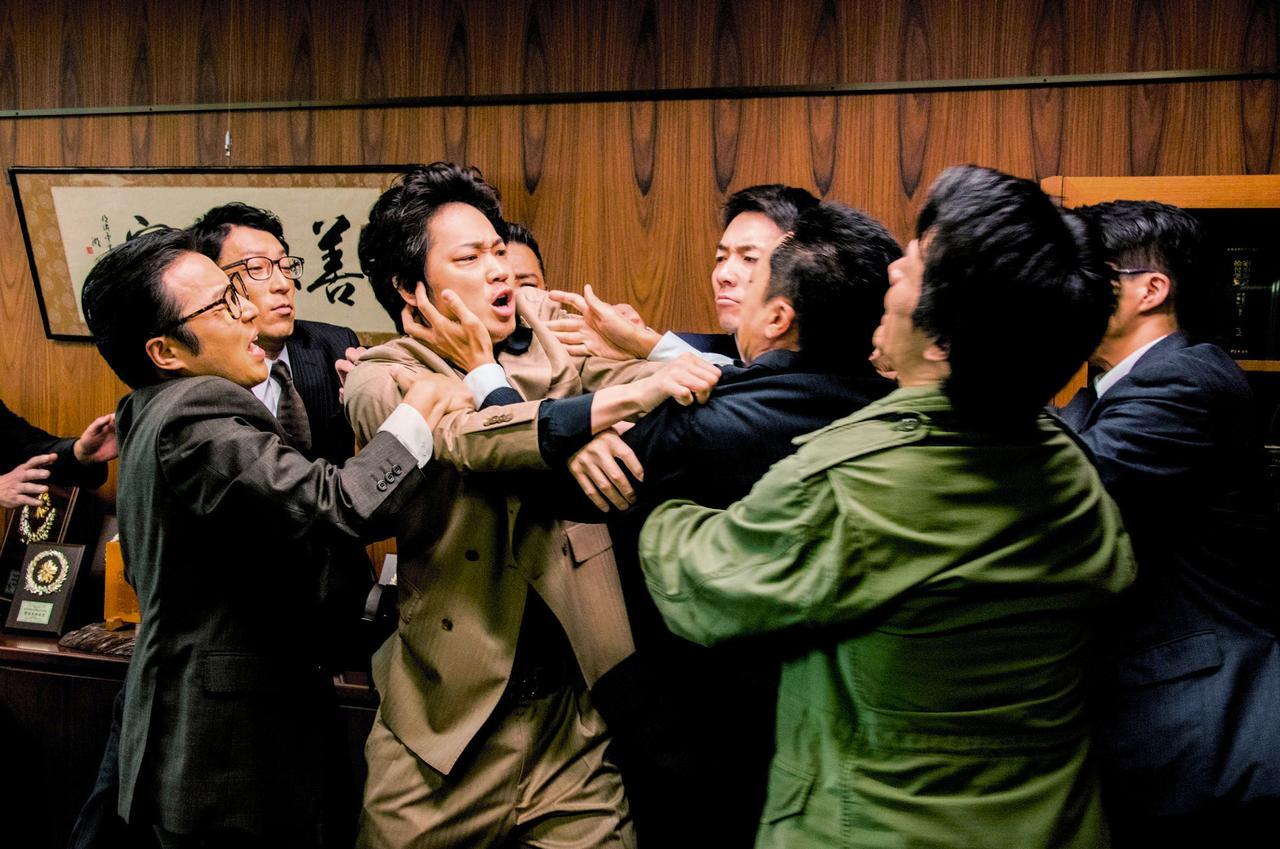 画像5: ©2016「日本で一番悪い奴ら」製作委員会
