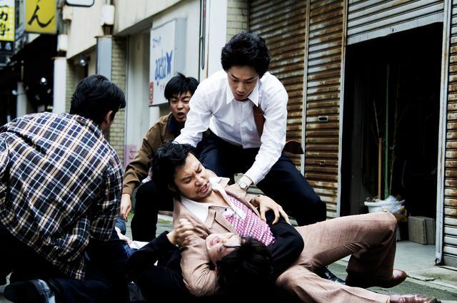 画像3: ©2016「日本で一番悪い奴ら」製作委員会