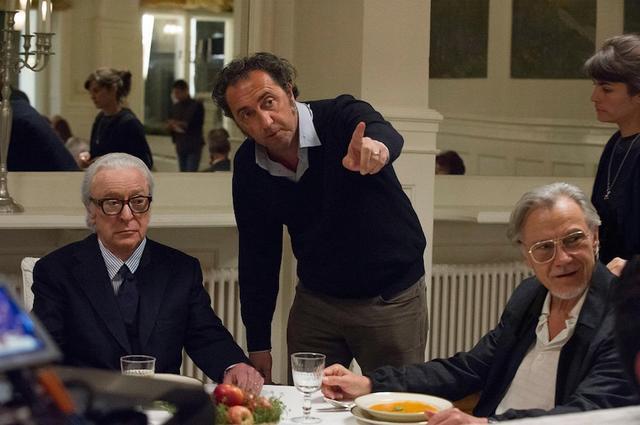 画像: 「グランドフィナーレ」演出中のパオロ・ソレンティーノ監督