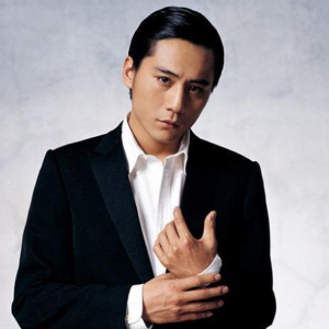 画像: リウ・イエ http://star.67.com/386477/